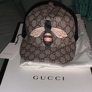 Gucci Bee Print Hat (BRAND NEW)